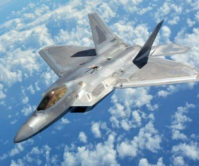 Here's how the US' F-22 Raptor compares to China's J-20 stealth fighter