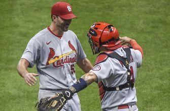 Wainwright goes the distance as Cardinals defeat Brewers 4-2 in Game 1 of twin bill