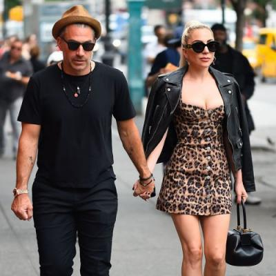 Of Course Lady Gaga Has a $400,000 Pink Engagement Ring