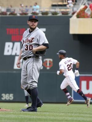 Rosario's HR in 8th leads Twins past Tigers 5-4
