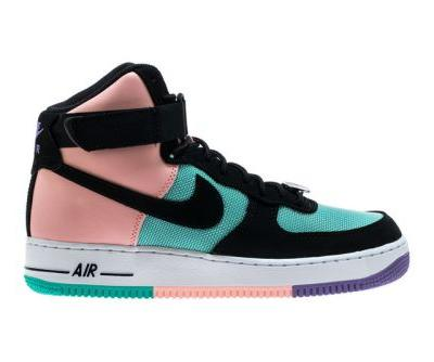 """Nike Bolsters """"Have a Nike Day"""" Pack With Air Force 1 High Silhouette"""