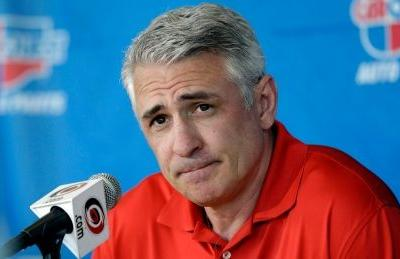Ron Francis out as Hurricanes GM, but will remain with team