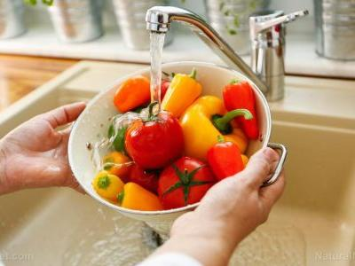 Eating foods rich in carotenoids significantly reduces your risk of breast cancer