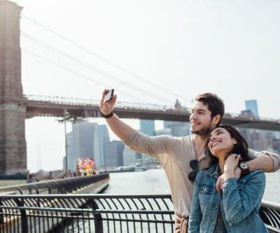 This jewelry company will pay you and your sweetheart to travel across the country