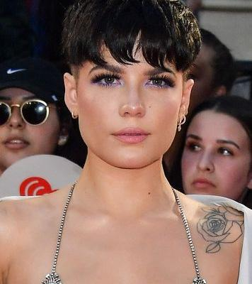 Halsey's Shimmery Purple Under-Liner Deserves a Close-Up