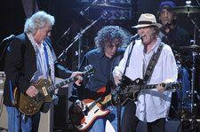 Neil Young & Crazy Horse Announce First Shows Since 2014