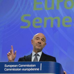 EU warns Italy over budget, signals possible legal action