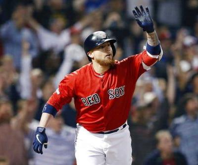2-run HR gives Red Sox walk-off win in extra innings