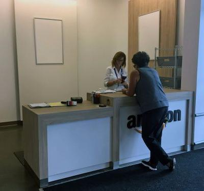 You can now return Amazon orders for free at certain Kohl's stores - here's how it works