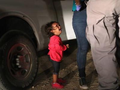 Photographer Shares Heartbreaking Story Behind Photo Of Crying Toddler At US Border