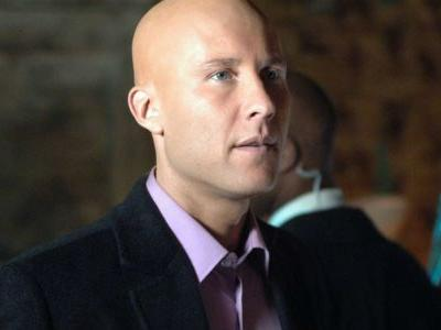 Smallville Fans Want Michael Rosenbaum To Play Supergirl's Lex Luthor