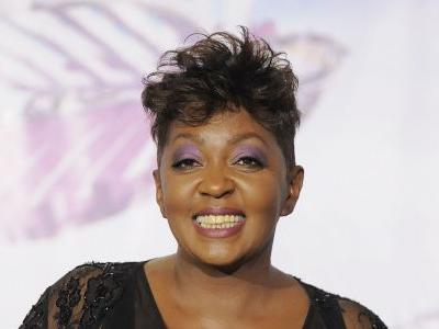 Anita Baker to be honored at BET Awards, Jamie Foxx to host