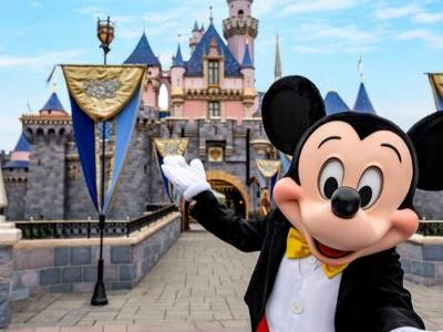 Small Group of Disneyland Employees Rally to Pressure California Governor Into Reopening Park