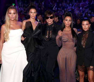 We Might Be Getting A Kardashian X-Mas Card After All. If Kim's Last-Minute Plan Works