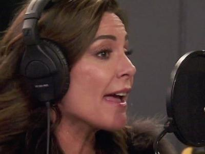 On Tonight's Real Housewives Of New York Luann de Lesseps Records A New Song!
