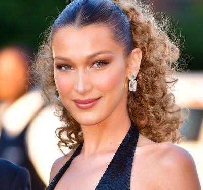 """Bella Hadid Went """"Boho Blonde"""" For Summer - & Looks Just Like Her Sister"""