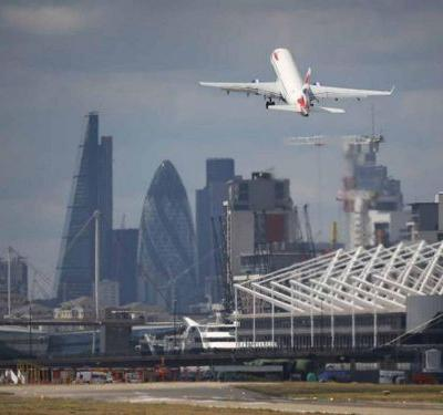World War Two bomb found in Thames, London City Airport closes