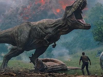 Jurassic World: Fallen Kingdom Took A T-Rex To The Thames River For A Great Marketing Stunt