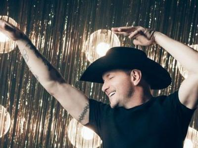 'It Starts With Me': Ty Herndon On Re-Releasing His Country Hit With Male Pronouns