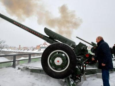 In threatening state of the nation address, Putin threatens to target the US with new weapons if it puts missiles in Europe