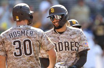 Eric Hosmer and Manny Machado carry Padres to series finale victory over Dodgers, 5-2