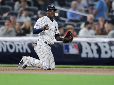 MLB hot stove: Mets sign infielder Adeiny Hechavarria to minor-league deal, report says