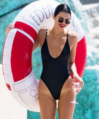 Kendall Jenner's Under-$100 Swimsuit Is a Style Every Woman Should Own