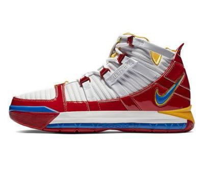 """Nike Heads Back to '05 With Zoom LeBron 3 """"SuperBron"""" Release"""
