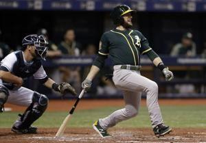AP source: Jed Lowrie, Mets agree to $20M, 2-year contract