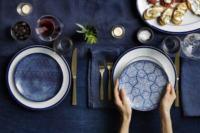 How to Set a Holiday Table Like a Stylist
