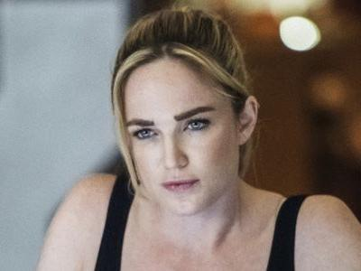 Arrow Is Bringing Back Caity Lotz For The Birds Of Prey Episode