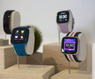 Fitbit goes after new wrists with less expensive $159 Versa Lite smartwatch