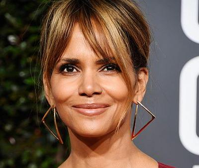 """Halle Berry's """"Ageless"""" Skincare Mask for More Youthful Skin"""