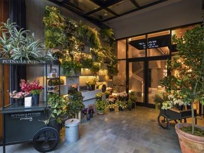 New York's Moxy Chelsea Taps Putnam & Putnam to Create a Sensory Hotel Arrival Experience