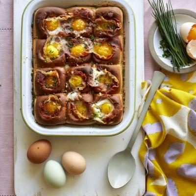 Recipe: Hawaiian Roll Egg-in-a-Hole