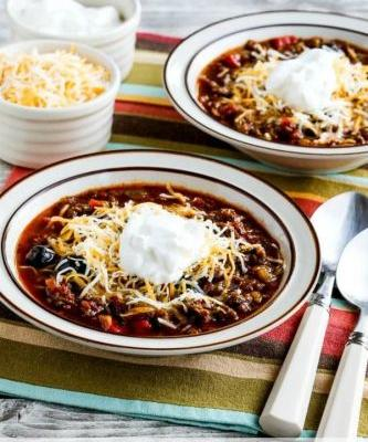 Instant Pot Low-Carb Ground Beef Olive Lover's Chili