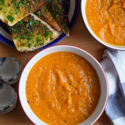 Slow Roasted Tomato Squash Soup