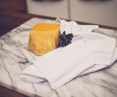 Make Your Own Beeswax Cotton Sandwich Wraps