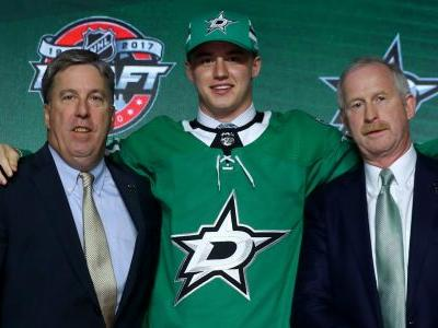 Stars sign goaltender Jake Oettinger to entry-level deal