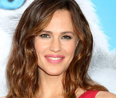 Jennifer Garner's Makeup-Free Selfie Is the Realest Photo to Come Out of Hollywood in a Long Time