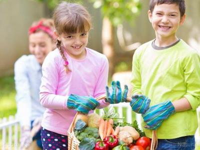 The mental and emotional benefits of healthier food: Study finds children who eat well are happier, have better self-esteem, are less likely to get bullied than their peers