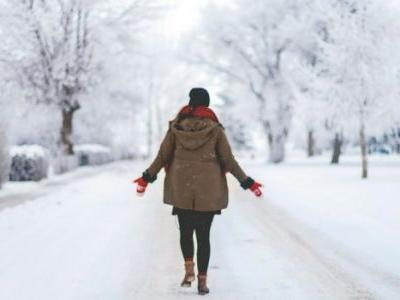 Gift Yourself Seasonal Sanity: 15 Tips for a Truly Happy Holidays