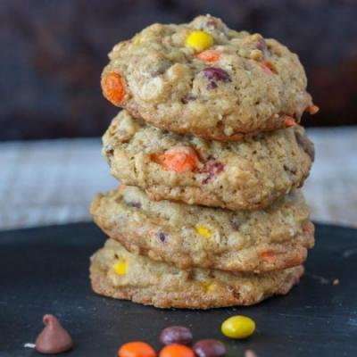 Reese's Cookies with Oatmeal