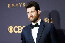 Billy Eichner Urges People to Vote 'Like Taylor Swift Told You To' at 2018 AMAs: Watch