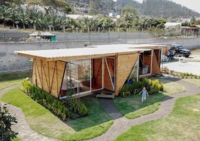 Orange Lemon House / Daniel Moreno Flores