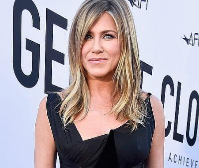 """The Workout That Jennifer Aniston Calls """"Amazing"""" For Her Body at 49"""