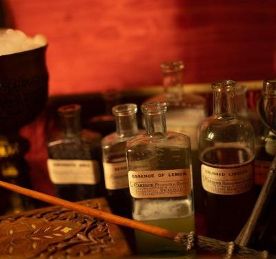 An Instagram-famous, Harry Potter-inspired cocktail class with 'magic' working wands is coming to New York City