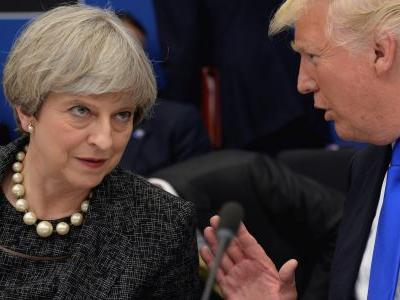 The pound drops as Trump threatens to 'kill' any post-Brexit trade deal with the UK