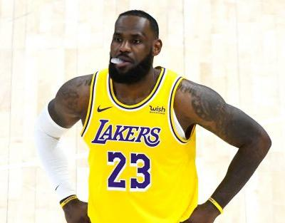 Anthony Davis-less Lakers pounded by NBA-best Jazz