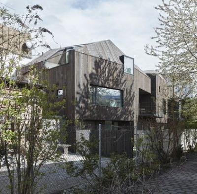 Courage to the gap / STUDIO LOIS Architecture